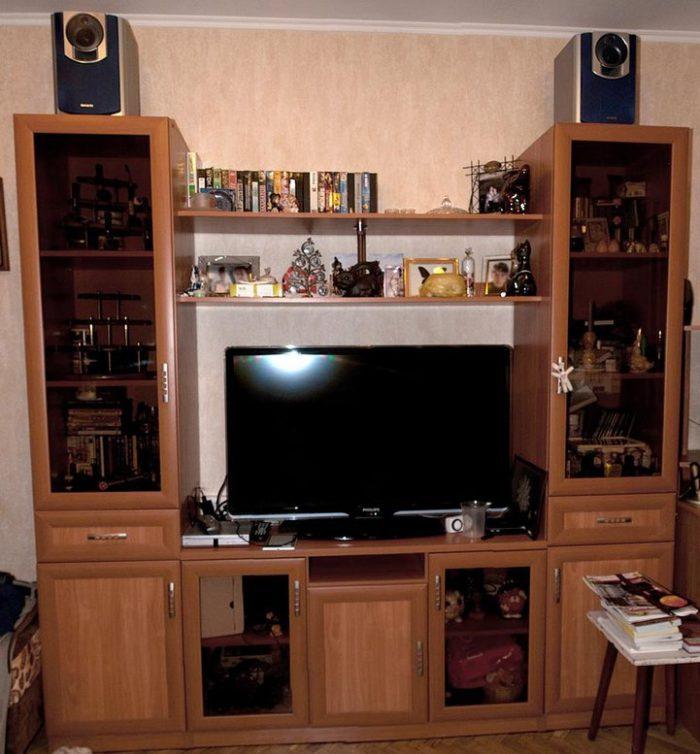 Мебель (стенка) на заказ в маленькую комнату